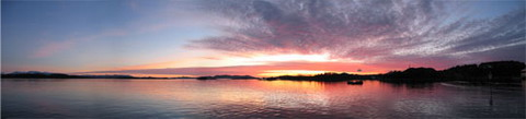 Sunset in Florø, Norway. Copyright Hasse Teigen 2004